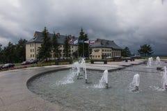 Arlamow, Pologne - 18 juillet 2016 : Bâtiment d'Arlamow d'hôtel avec un p Image libre de droits