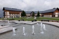 Arlamow, Polonia - 18 de julio de 2016: reconstrucción compleja Arlamo del hotel Foto de archivo