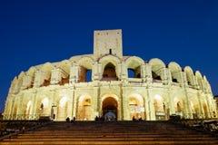 Arles amfiteater på natten royaltyfri fotografi