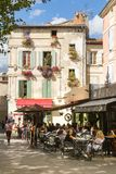 Arles - Place du Forum lizenzfreies stockbild
