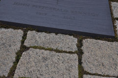 Arlington-Kirchhof, am 5. August: Grab Präsidenten Kennedy Arlington-nationalen Friedhofs von Virginia stockfotografie