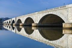 Arlington minnes- bro, Washington DC USA fotografering för bildbyråer