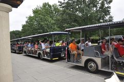 Arlington, Virginia, am 5. Juli: Arlington-Kirchhof-Sightseeing-Tour-Tram von Virginia USA Stockfotos