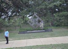 Arlington Virginia juli, 5th: Minnesmärke för uppdelning för infanteri för USA-armé 4th i den Arlington kyrkogården från Virginia Arkivbilder
