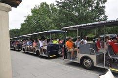 Arlington, Virginia, Lipiec 5th: Arlington Zwiedzającej wycieczki turysycznej Cmentarniany tramwaj od Virginia usa Zdjęcia Stock