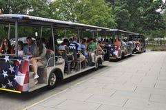 Arlington, Virginia, Lipiec 5th: Arlington Zwiedzającej wycieczki turysycznej Cmentarniany tramwaj od Virginia usa Obrazy Royalty Free