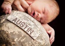 Armén behandla som ett barn arkivfoton