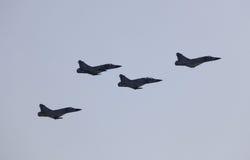 Armén sprutar ut på airshowen i Doha, Qatar Arkivfoton