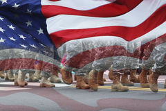 Armén ståtar & sjunker Arkivbilder