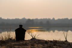 Armévattenkantin på floden royaltyfri bild