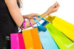 Arm med shoppingpåsar Fotografering för Bildbyråer