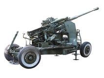 Arma antiaérea verde velha do russo isolada sobre o branco Imagens de Stock