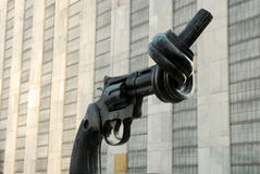 Arma atado en un nudo Imagen de archivo libre de regalías
