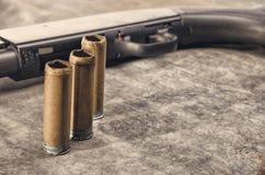 arma Concetto del fucile da caccia Fucile da caccia e manica neri del fucile da caccia Fotografia Stock Libera da Diritti