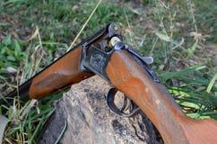 Arma de dos cañones de la caza Fotografía de archivo