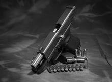 Arma de la mano Fotos de archivo libres de regalías