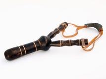 Arma de madeira do brinquedo do Slingshot Fotos de Stock Royalty Free