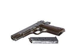 arma de mano de la pistola con la revista aislada en el fondo blanco Imagen de archivo