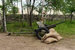 arma do anti-tanque 45-milímetro do modelo 1937 no ` militar-patriótico de Borodino do ` do acampamento Imagem de Stock Royalty Free