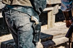 Arma do vintage vestida na cintura imagens de stock royalty free