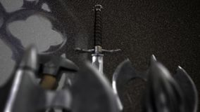 Arma medievale dentro un castello stock footage