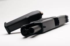 Arma 9 milímetros com compartimento Imagem de Stock
