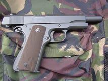 Arma militar m1911 Imagens de Stock