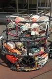 Armadilhas do caranguejo empilhadas, porta de Astoria OU. Foto de Stock