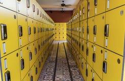 Armadio giallo Fotografia Stock Libera da Diritti