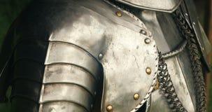 Armadura medieval del metal almacen de video