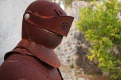 Armadura medieval vieja y oxidada de los caballeros Foto de archivo