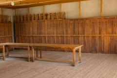 Armarios de madera en campo de concentración de Dachau Imagen de archivo