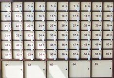 Armarios para el equipaje numerado fotos de archivo libres de regalías