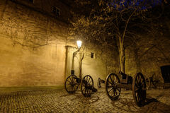 Armas antigas nas ruas de Praga Fotografia de Stock