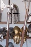 Armas medievais protetoras fotos de stock