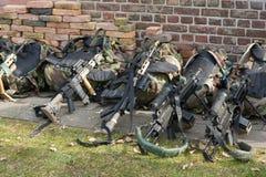 Armas na terra Fotografia de Stock