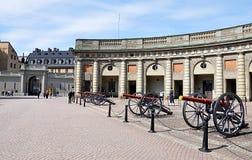 Armas y palacio viejos en la ciudad Estocolmo, Suecia, Europa Fotografía de archivo libre de regalías