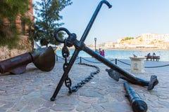 Armature και άγκυρα Ελλάδα, Chania, Κρήτη Παραδοσιακή εικονογραφική οδός Στοκ εικόνες με δικαίωμα ελεύθερης χρήσης