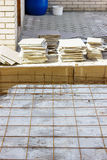 Armature πλέγματα σε ένα τσιμεντένιο πάτωμα Στοκ φωτογραφία με δικαίωμα ελεύθερης χρήσης