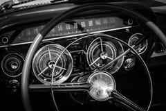 Armaturenbrett Buicks LeSabre (erste Generation) Lizenzfreies Stockfoto