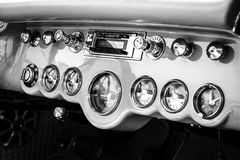 Armaturenbrett eines Sportautos Chevrolet Corvette Lizenzfreies Stockfoto