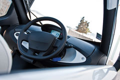 Armaturenbrett im Elektroauto Stockbilder