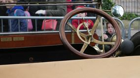 Armaturenbrett und Lenkrad alten K-R-I-T Automobile K Tourer 1913 25hp lizenzfreies stockbild