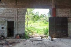 Armazém abandonado abandonado Fotografia de Stock Royalty Free