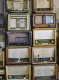 Armazém de rádios velhos fotografia de stock royalty free
