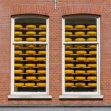 Armazém holandês velho do queijo de Gouda imagem de stock