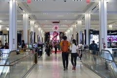 Armazém interno do ` s de Macy em New York City Fotografia de Stock Royalty Free