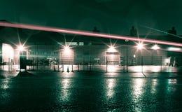 Armazém na noite Foto de Stock Royalty Free