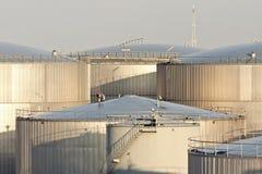 Armazenamento de óleo imagens de stock