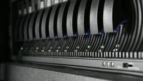 Armazenamento do servidor e da invasão; Instalando o disco rígido video estoque